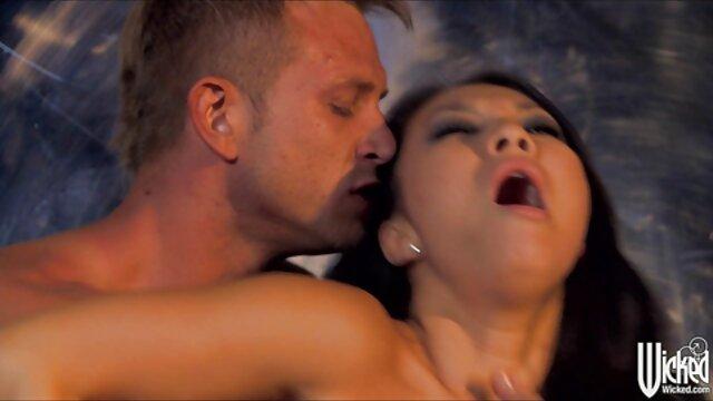 Tetona bbw chupa un dick y lo toma en su coño videos lesbicos completos