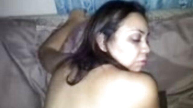 Madura lesbianas videos en español rubia en medias masturbación