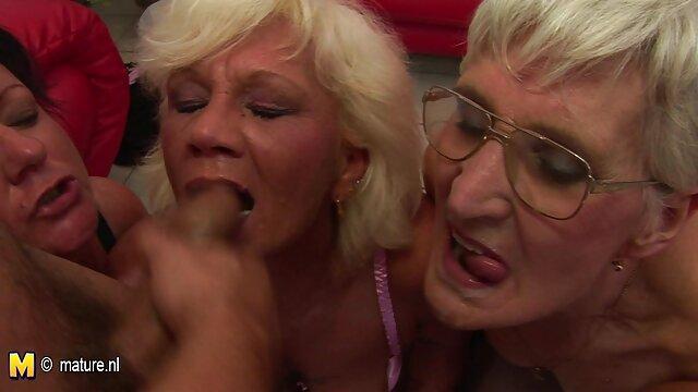Papás intercambiando a lesbianas espanolas sus hijas