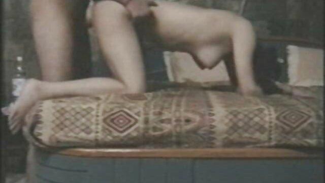 AnalAcrobats Ashley Fires lesvianas españolas maduras follada por ENORME Strapon