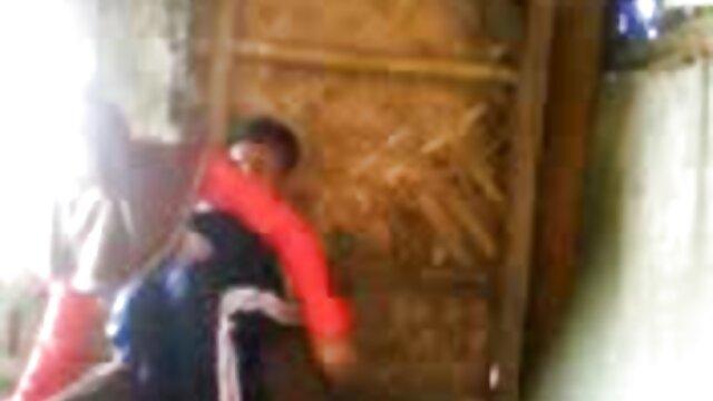 Tetona británica cougar lesbianas xxx españolas golpea maridos empleado