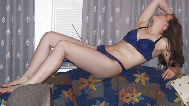 Puedes mirarme el culo mientras lesbianas españolas masturbandose hago mi yoga JOI